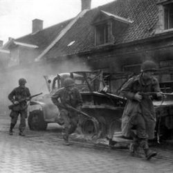 1944-09-17+-+Veghel,+Hell's+Highway